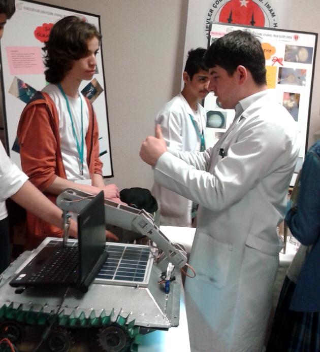 Bahçelievler'de TÜBİTAK Bilim Fuarı açıldı