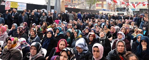 Sare Davutoğlu Bağcılar'da temel atma törenine katıldı