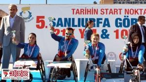 Bağcılarlı engelli atletler, Şanlıurfa'daki yarışmaya damga vurdu
