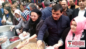 MHP Bağcılar İlçe Teşkilatı, vatandaşlara aşure dağıttı
