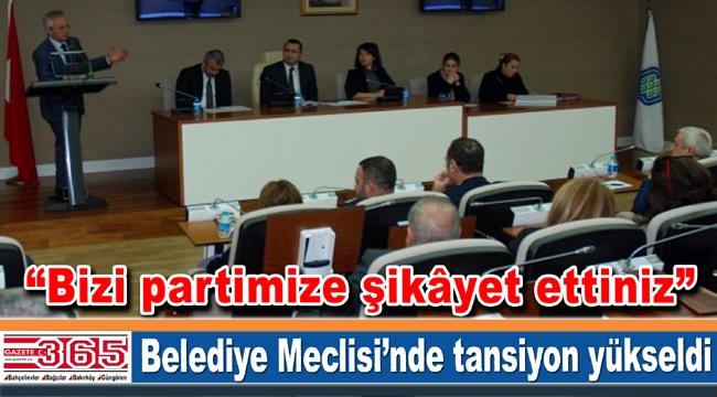 AK Partili ve CHP'li belediye meclis üyelerinin 'ispiyon' tartışması…