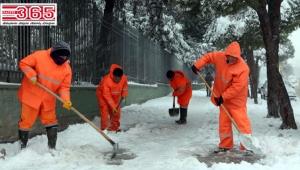 Bağcılar'da 24 saat kar ve buzlanmayla mücadele...