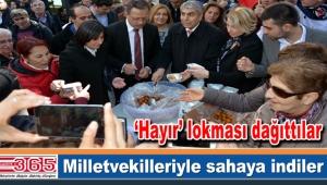 CHP milletvekilleri ve il başkanı Bahçelievler halkıyla buluştu