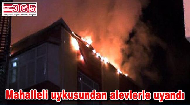 Güngören'de korkutan çatı yangını…