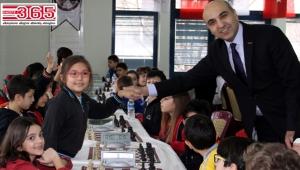 'Şehit Ömer Halisdemir Satranç Turnuvası' Bakırköy'de başladı...