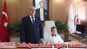 Bakırköy Başsavcısı Hatipoğlu koltuğunu ilkokul öğrencisine bıraktı