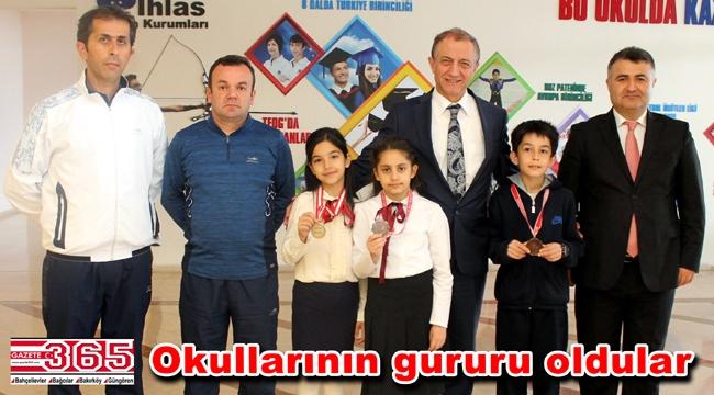 İhlas Koleji öğrencisi teniste İstanbul şampiyonu oldu