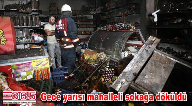 Bağcılar'da bir market alev alev yandı
