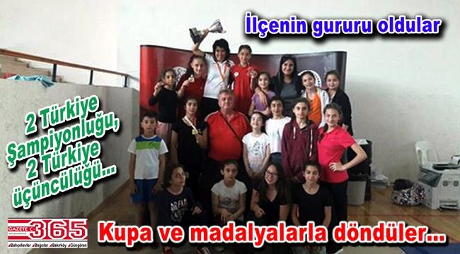 Bahçelievlerli bayan güreşçiler Antalya'dan gururla döndüler