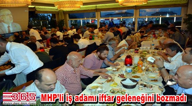 Cuma Çifcibaşı dostlarını iftar sofrasında ağırladı