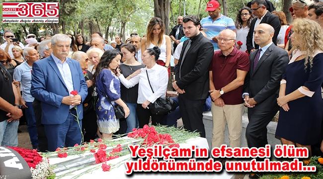 Tarık Akan Bakırköy'de kabri başında gözyaşlarıyla anıldı
