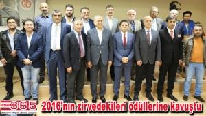 İYGAD 'Zirvedeki gazetecileri' ödüllendirdi