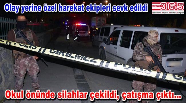 Bağcılar'da okul önünde çatışma: 1'i öğrenci 5 yaralı