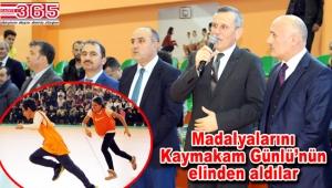 Bakırköy'deki 'Geleneksel Çocuk Oyunları' müsabakaları sonuçlandı