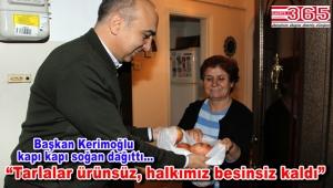 Bakırköy Belediye Başkanı Bülent Kerimoğlu halka soğan dağıttı