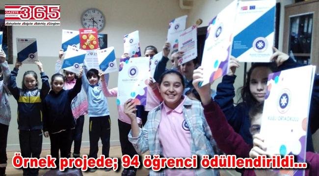 Kuleli Ortaokulu'nun 'Kitap kurtları' belgelerini aldı