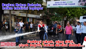 Başkan Hakan Bahadır, 'Çevre etkinlikleri' kapsamında caddeleri yıkadı
