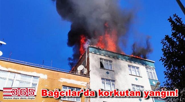 Bağcılar'da bir binanın çatısı alev alev yandı