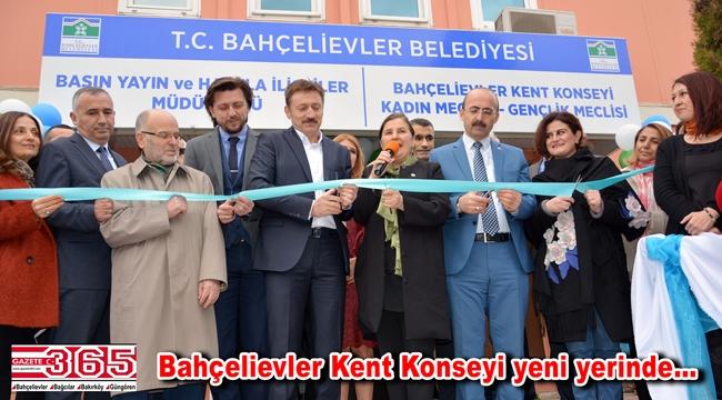 Bahçelievler Kent Konseyi'nin yeni hizmet binası yoğun katılımla açıldı