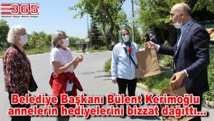 Bakırköy Belediyesi Anneler Günü'nü evlere giderek kutladı