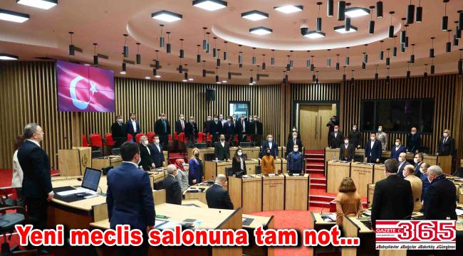 Bağcılar Belediyesi'nin yeni meclis salonu siyasilerden tam not aldı