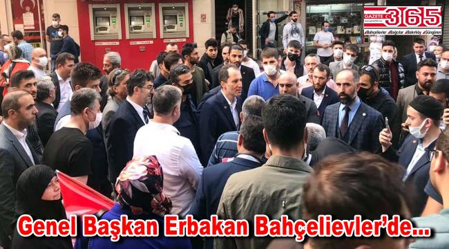 Yeniden Refah Partisi Genel Başkanı Fatih Erbakan Bahçelievler'de esnafla kucaklaştı