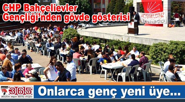 CHP Bahçelievler Gençlik Örgütü 'Üye Katılım Şöleni' düzenledi