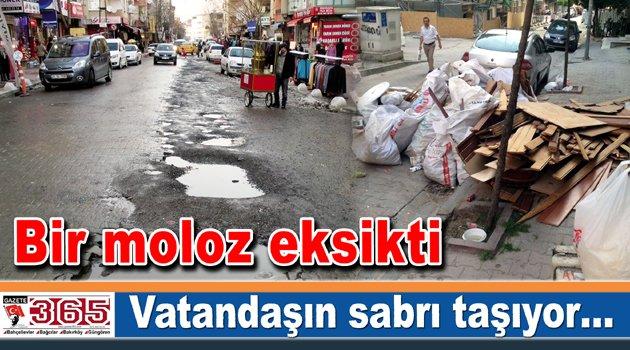Rastgele atılan moloz yığınları vatandaşları çileden çıkartıyor