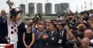 Bakırköy'deki at yarışının kazananına 2 milyon ödül