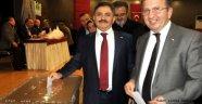 Kızılay'ın kongresi yapıldı; Murat Çağlar yeniden başkan