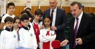 Turnuva Kaymakam Öztürk'ün gösteri maçıyla başladı